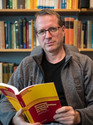 Prof. Henning Struchtrup